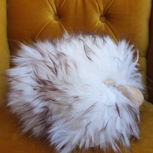 MiniSchaf Farbe weiß mit braunen Fellspitzen – Dekoobjekt, Kuscheltier, Kinderzimmerschmuck – 106503